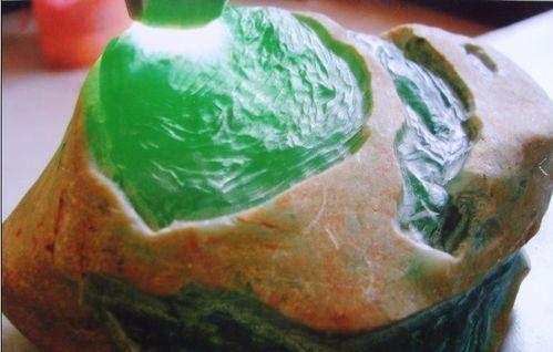 翡翠原石冰種好不好?和糯種比起來如何?
